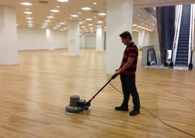 cyklinowanie podłogi drewnianej www.parkieciarz.com.pl